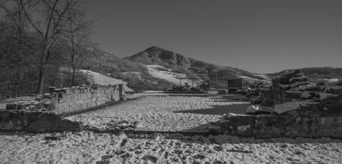 Il buio su Monte Sole – I luoghi dell'eccidio di Marzabotto – Mostra fotografica di Aniceto Antilopi