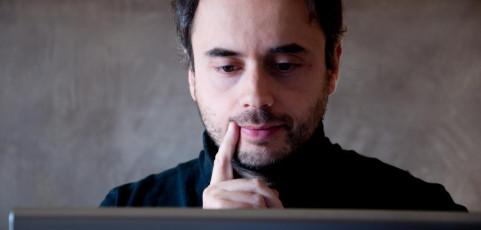 Uno scrittore indeciso di Stefano Santarsiere