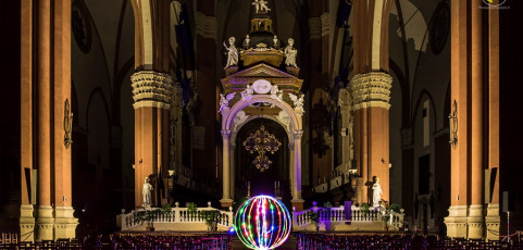 Light painting in San Petronio